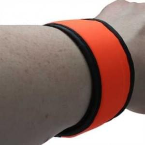 XiRRiX Sicherheits Schnappband Lauf Armband mit LED für Jogging Wandern Walking Radfahren - Orange